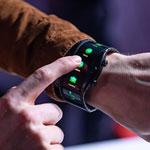 نوبیا آلفا: اولین گوشی پوشیدنی با صفحه نمایش خمیده