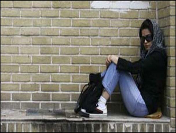 داستان دختر فراری چه بود  به دنبال جرعه ای محبت بیرون از خانه بودم