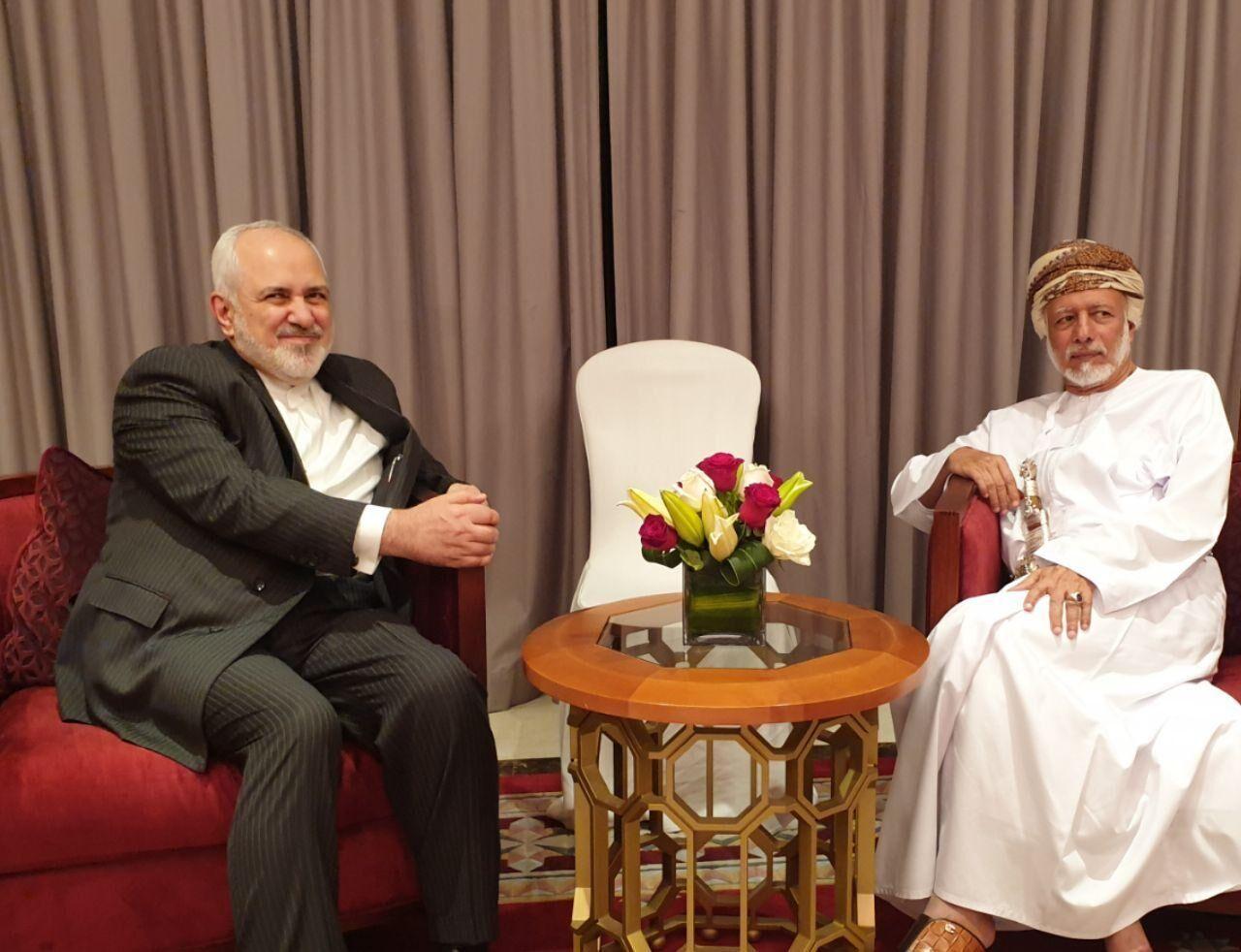 ظریف: در کنار سلطنت عمان میمانیم